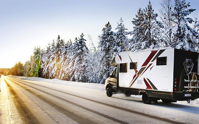 VINTER<br /> Snöstormar och isande vindar. Bring it on! I en Nordic Husbil kommer du älska vintern.